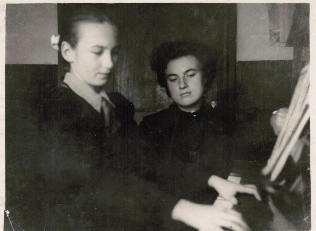 Татьяна Рябинина (Репина) - будущий препод. в муз.шк. г.Советска фото 15